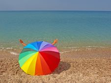 Free Rainbow Beach Umbrella And Sea Royalty Free Stock Images - 20727289