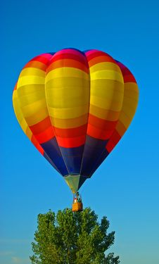 Free Hot Air Balloon In Flight Stock Photo - 20729410