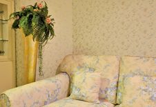 Free Flowery Living Room And Sofa Chair Stock Photos - 20730103