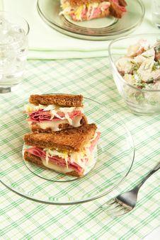 Free Reuben Sandwich Royalty Free Stock Photo - 20731575