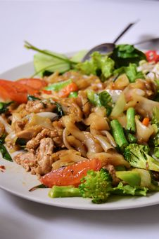 Free Asian Style Fried Noodle Royalty Free Stock Photo - 20739465