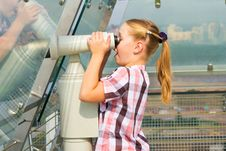 Free A Girl Looks Through A Telescope Stock Images - 20741954