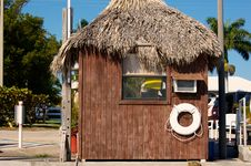 Wooden Hut With Grass Roof In Florida Royalty Free Stock Images