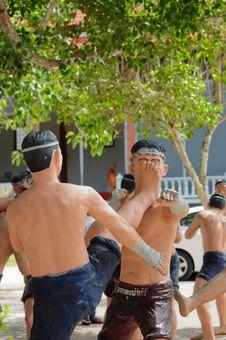 Free Model Of Thai Boxing (Muay Thai) Stock Photos - 20746343