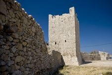 Free Tower And The Stonewall In Razanac Royalty Free Stock Image - 20746516