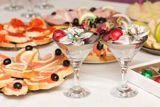 Free Festive Table With Wine Glasses Royalty Free Stock Photography - 20747817