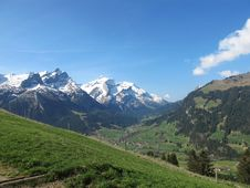Free Mountains In The Spring Royalty Free Stock Images - 20750129