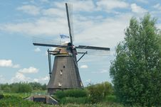 Free Windmill Near Kinderdijk In NL (UN World Heritage) Royalty Free Stock Image - 20750236