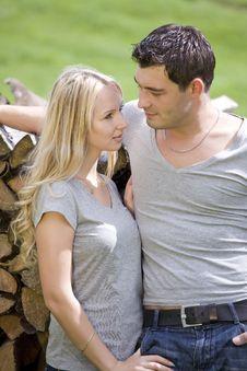 Free Loving Couple Outdoor Royalty Free Stock Photo - 20750715