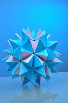 Free Origami Ball Stock Images - 20753074