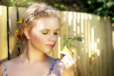 Free Young Woman Holding A Green Apple Royalty Free Stock Photo - 20761975