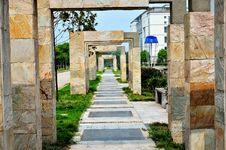 Free Stone Gate And Path Stock Photo - 20762040