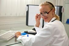 Free Female Medical Professional Royalty Free Stock Photography - 20763097