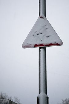 Free Snow Road Sign Royalty Free Stock Photo - 20763895