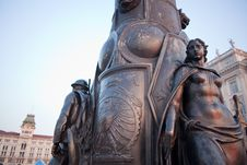 Free Bronze Statue Of A Woman, Trieste Royalty Free Stock Photography - 20764497
