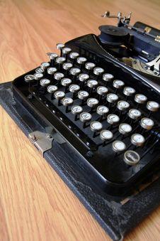 Free Old Typerwriter Royalty Free Stock Photos - 20765598