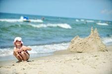 Free Girl  At Beach Royalty Free Stock Photos - 20767208