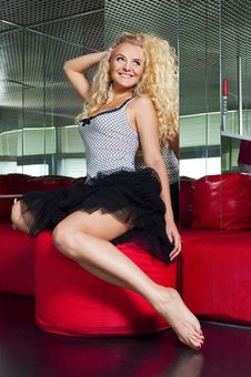 Free Elegant Beautiful Woman Royalty Free Stock Photography - 20768337