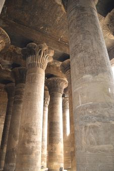 Free Columns Inside The Temple At Esna Stock Photo - 20769580