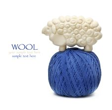 Free Blue Ball Of Woollen Thread Royalty Free Stock Photos - 20770758