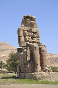 Free Statue Of The Colossus Of Memnon Royalty Free Stock Photography - 20770977