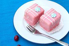 Free Punch Cake (mingnon) Royalty Free Stock Photos - 20772338