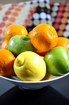 Free Fruits In A Ceramic Bowl Stock Photography - 20772402