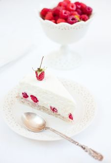 Free Piece Of Raspberry Cake Royalty Free Stock Photography - 20773917