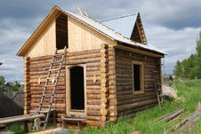 Free Small Unfinished Wooden Timber Home Royalty Free Stock Photos - 20775838