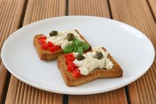 Free Toasts With Cottage Cheese Stock Photos - 20776003