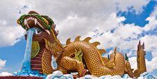 Free Golden Dragon Statue Royalty Free Stock Photos - 20781308