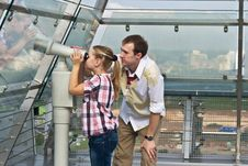 Free Father And Daughter Looking Through Telescope Stock Photography - 20782772