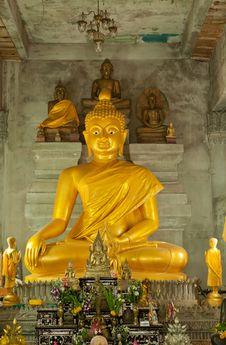 Free Golden Buddha Statue Royalty Free Stock Photos - 20786398