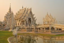 Free Delicate White Temple Stock Photography - 20791392