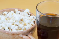 Free Pop Corn In Bowl And Cola Royalty Free Stock Photo - 20792905