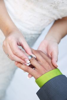 Free Bride Puts Ring On Groom Stock Photography - 20796592
