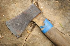 Free Old Ax On Tree Stump Royalty Free Stock Image - 20798396