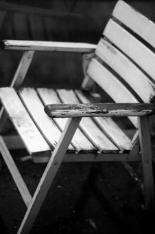Free Old Chair In B/W Royalty Free Stock Photo - 2086695