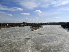 Free Frozen River Daugava. Royalty Free Stock Photo - 2087155