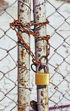 Free Wire Fence With A Chain And A Lock Stock Image - 2089881