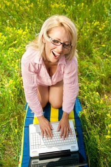 Free Woman With Laptop Royalty Free Stock Photography - 20800517