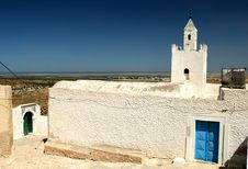 Free Mosque Somewhere In Tunisia Royalty Free Stock Photography - 20800817