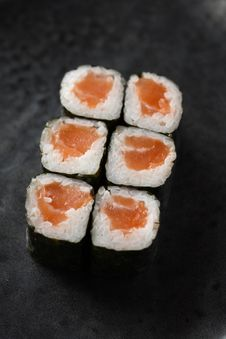 Free Salmon Maki Roll Royalty Free Stock Photography - 20804117