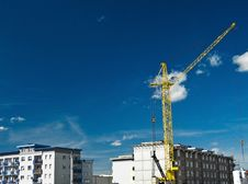 Free Yellow Crane And Buildings Stock Photo - 20805800