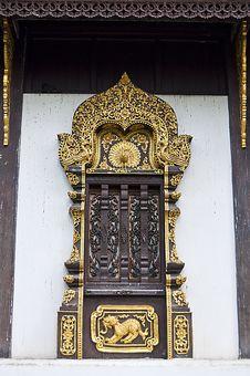 Free Art Of Thai Style Temple Window. Royalty Free Stock Photos - 20806368