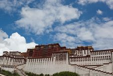 Free Potala Palace And Cloudscape Stock Images - 20808754