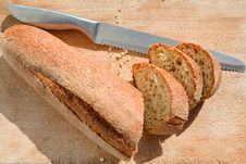 Free Bread Knife And Bread Stock Photo - 20808940