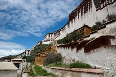 Free Potala Palace And Cloudscape Stock Images - 20810014