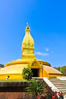 Free Golden Pagoda In The Northeast Of Thailand Stock Photography - 20810082