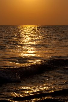 Free Sunset On The Sea Royalty Free Stock Photo - 20812535